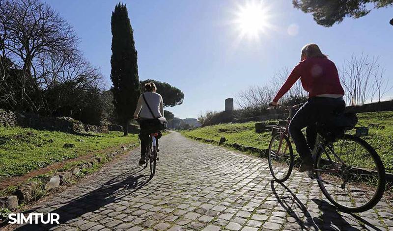 Pedalare sull'Appia antica
